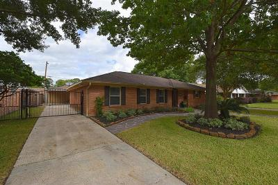 Single Family Home For Sale: 6742 Cindy Lane
