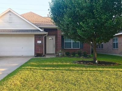 Tomball Single Family Home For Sale: 11815 Piney Bend Drive
