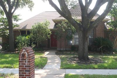 Pasadena Single Family Home For Sale: 6726 Gleneagles Drive
