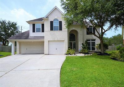 Kemah Single Family Home For Sale: 321 Marina Oaks Court