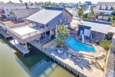 Tiki Island Single Family Home For Sale: 210 Bora Bora Drive
