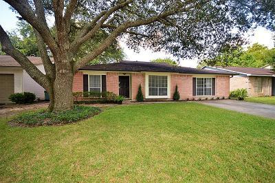 Friendswood Single Family Home For Sale: 16434 Bougainvilla Lane