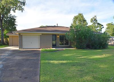 La Porte Single Family Home For Sale: 516 N Shady Lane