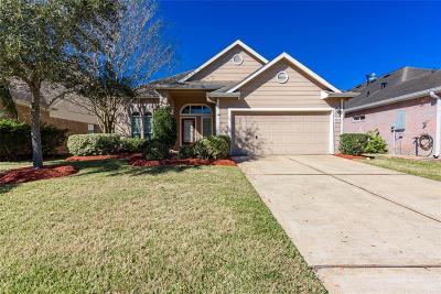 Seabrook Single Family Home For Sale: 1515 Roaring Springs Lane