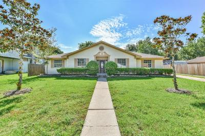 Friendswood Single Family Home For Sale: 5107 Whittier Oaks Drive