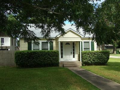 Wharton TX Single Family Home For Sale: $115,500