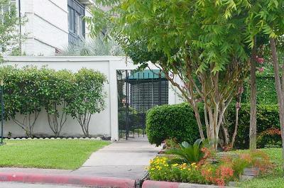 Houston Multi Family Home For Sale: 5107 Del Monte Drive #12