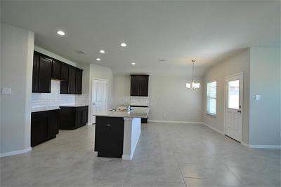 Fresno TX Single Family Home For Sale: $209,990