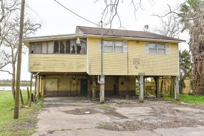 Angleton Single Family Home For Sale: 2607 Bayou Drive