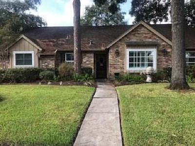 Houston Single Family Home For Sale: 12107 Queensbury Lane
