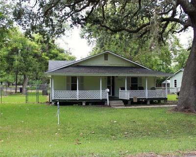 Sweeny Single Family Home For Sale: 701 S Ave A Street