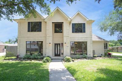Friendswood Single Family Home For Sale: 2505 Sarasota Drive