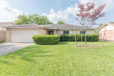 La Porte Single Family Home For Sale: 9805 Hummingbird Street
