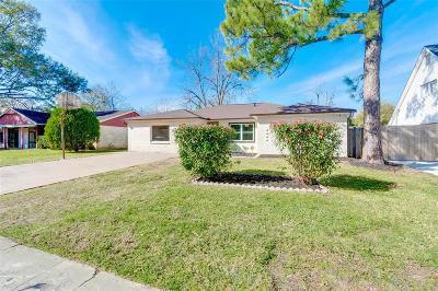 Houston Single Family Home For Sale: 11415 Sagehurst Lane