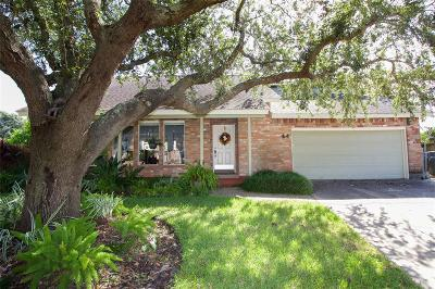 Galveston Single Family Home For Sale: 44 Lakeview Drive