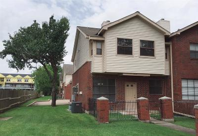 Stafford Condo/Townhouse For Sale: 1103 Dulles Avenue #1504