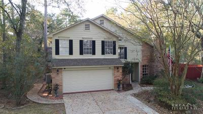 Single Family Home For Sale: 30 Woodhaven Wood Drive