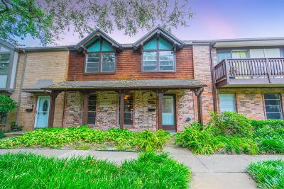 Houston Condo/Townhouse For Sale: 2215 Triway Lane #260