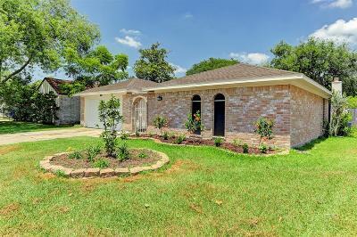 Houston Single Family Home For Sale: 15419 Runswick Drive