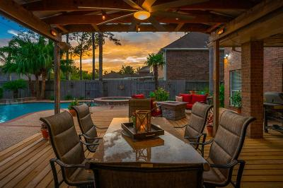 Friendswood Single Family Home For Sale: 1812 Creekside Drive
