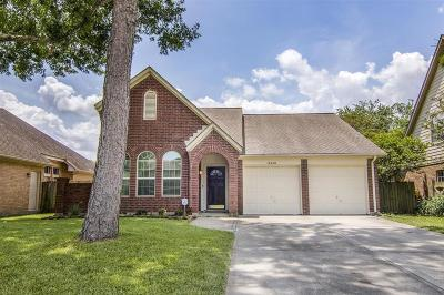 Single Family Home For Sale: 14610 Oak Chase Drive