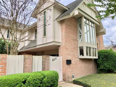 Houston Condo/Townhouse For Sale: 657 S Ripple Creek Drive
