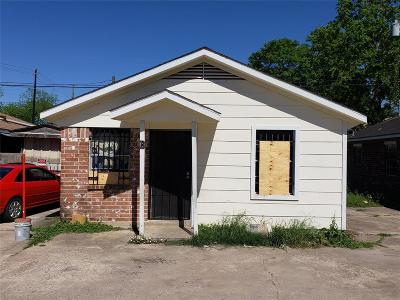 Houston Single Family Home For Sale: 2415 W Little York Road #B