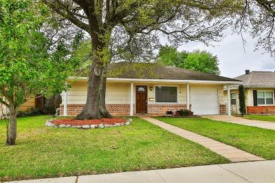 Bellaire Single Family Home For Sale: 404 Otto