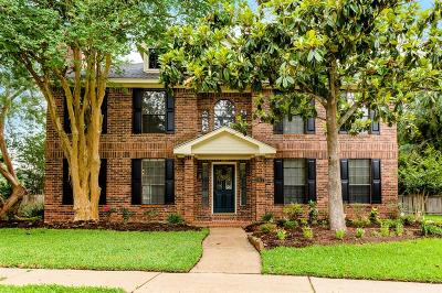 Friendswood Single Family Home For Sale: 914 Remington Court