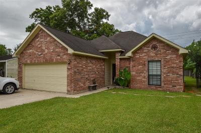 Deer Park Single Family Home For Sale: 804 Boston Street