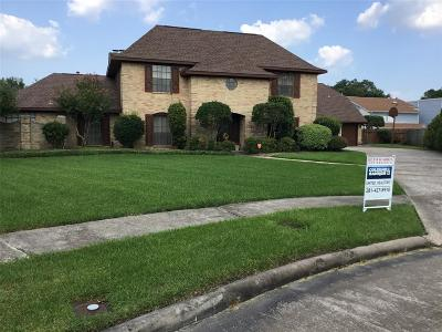 Baytown Single Family Home For Sale: 3 Thunderbird Circle