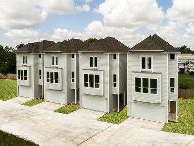 Houston Condo/Townhouse For Sale: 1811 Napa Creek Lane