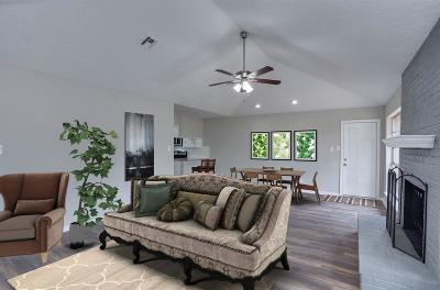 Humble TX Single Family Home For Sale: $169,000