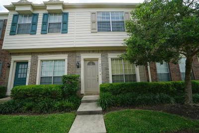 Sugar Land Condo/Townhouse For Sale: 2930 Grants Lake Boulevard #2404