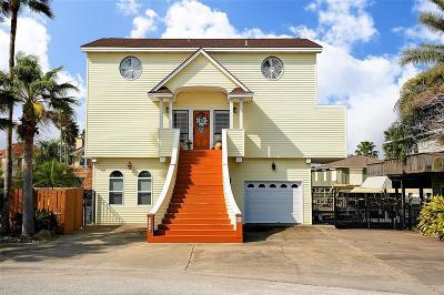 Tiki Island Single Family Home For Sale: 155 Bora Bora Drive