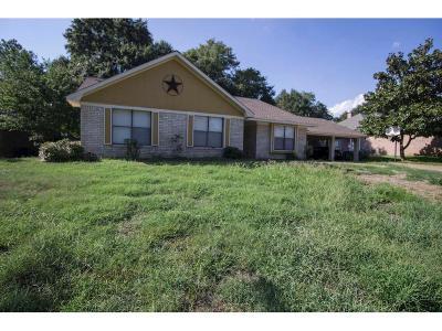 Bellville Single Family Home For Sale: 202 Duerr
