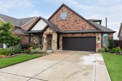 La Porte Single Family Home For Sale: 230 Bayside Crossing Drive