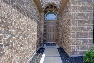 Single Family Home For Sale: 2302 Deer Trace Court