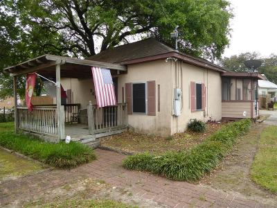 Humble Single Family Home For Sale: 902 Herman Street