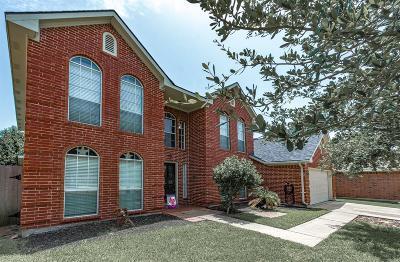 La Porte Single Family Home For Sale: 222 Summer Breeze Drive