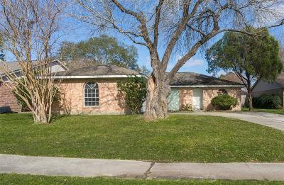 Cypress TX Single Family Home For Sale: $155,000