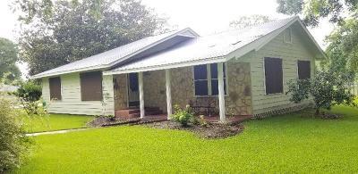 Sweeny Single Family Home For Sale: 206 Avenue A