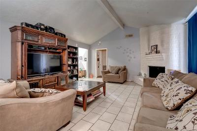 Missouri City Single Family Home For Sale: 527 Stephanie Drive