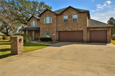 Sweeny Single Family Home For Sale: 1006 Avenue A