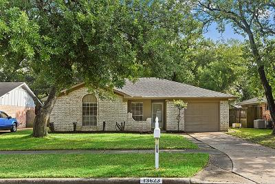 Sugar Land Single Family Home For Sale: 13623 Greenbriar Drive