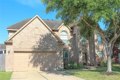 Pasadena Single Family Home For Sale: 4910 Summer Oak Drive