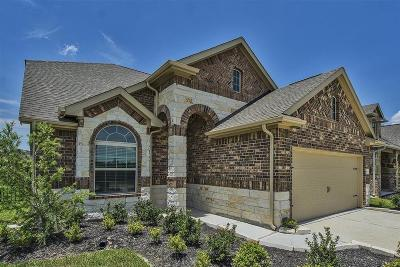 Spring Single Family Home For Sale: 3791 Lake Bend Shore