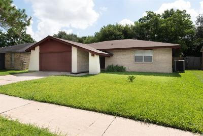 Sugar Land Single Family Home For Sale: 10519 Long River Drive