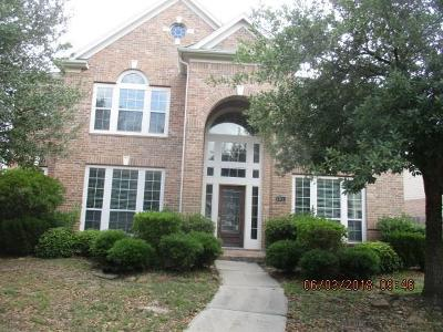 Lakeshore, Lakeshore Pt Sec 08 Rep 01, Lakeshore Sec 01, Lakeshore Sec 04, Lakeshore Sec 05, Lakeshore Sec 06, Lakeshore Sec 08, Lakeshore Sec 1, Lakeshore Sec 12, Lakeshore Sec 14 Amd, Lakeshore Sec 2, Lakeshore Sec 5, Lakeshore Sec 9 Single Family Home For Sale: 13611 Elm Shores Drive