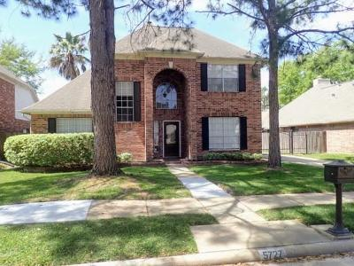 Houston Single Family Home For Sale: 5727 Malcomboro Drive